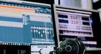 Best Integrated Amplifier Under $2000